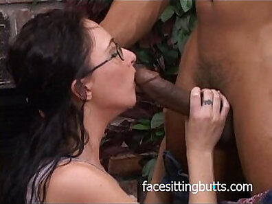 perfect body, sitting on face, wearing glasses xxx movie