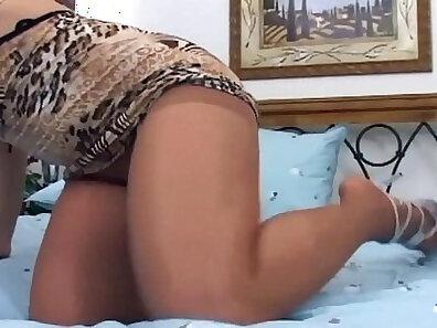 bedroom screwing, feet, pretty ladies, redhead babes, women in pantyhose xxx movie