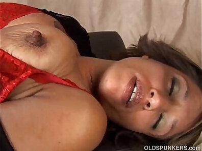 black hotties, boobs in HD, ethnic porn, HD amateur, hot babes, huge breasts, mature women, older woman fucking xxx movie